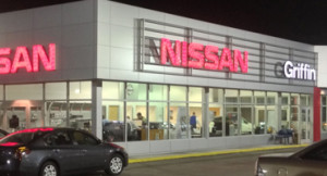 nissan at night pic2-370x200